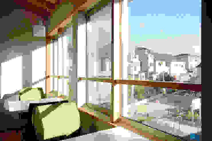 三島丘の社屋 オリジナルな 窓&ドア の ニュートラル建築設計事務所 オリジナル