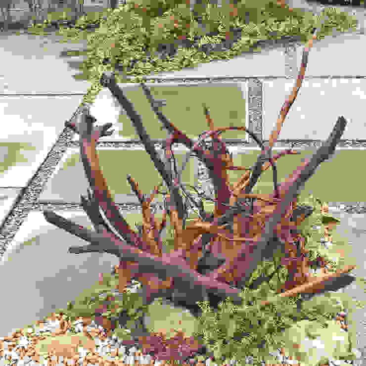 Modern Garden by 匠ガーデン Modern Wood Wood effect