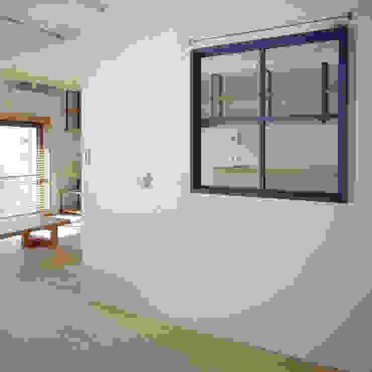 TO-YO-CHO Renovation モダンデザインの 子供部屋 の AIDAHO Inc. モダン