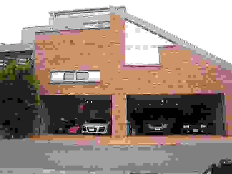 Rumah Modern Oleh 株式会社 t2・アーキテクトデザイン 一級建築士事務所 Modern Beton