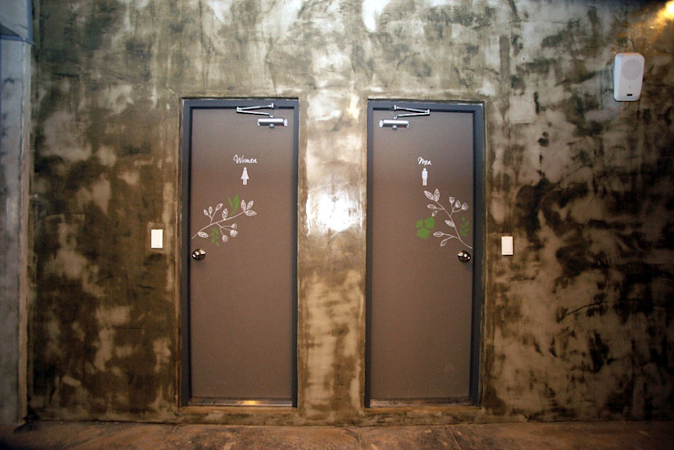 Industrial style bathroom by 몰핀아트 Industrial