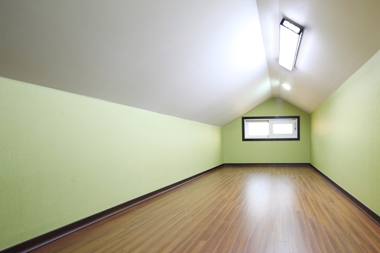 Modern garage/shed by 윤성하우징 Modern