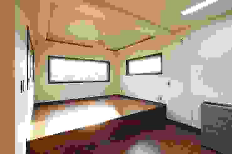 Dining room by 윤성하우징, Modern