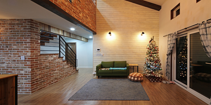 Mediterranean style living room by 윤성하우징 Mediterranean