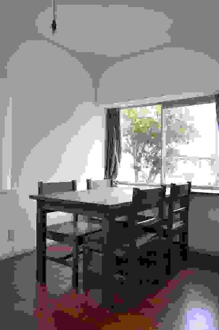 table and chairs : WOOD STUDIO KUZE'Sが手掛けたスカンジナビアです。,北欧