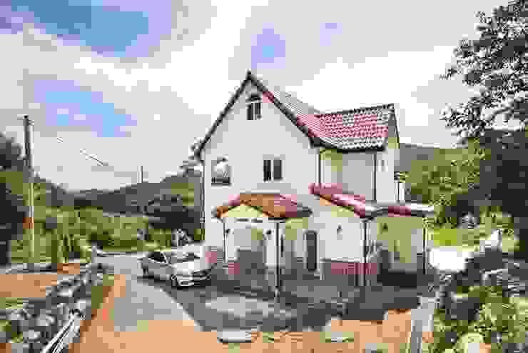 Casas de estilo  por 윤성하우징, Mediterráneo