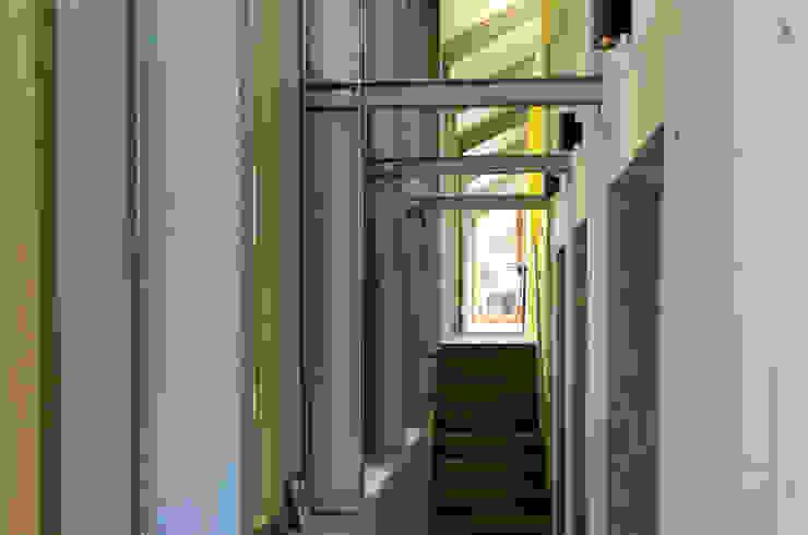 Schuurwoning Loenen aan de Vecht Landelijke gangen, hallen & trappenhuizen van Kwint architecten Landelijk
