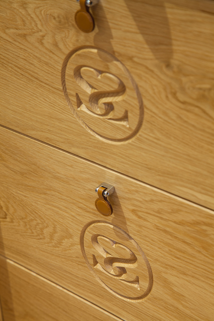 Internal solid oak drawers on bespoke Sculleries of Stockbridge bedroom Sculleries of Stockbridge Classic style bedroom