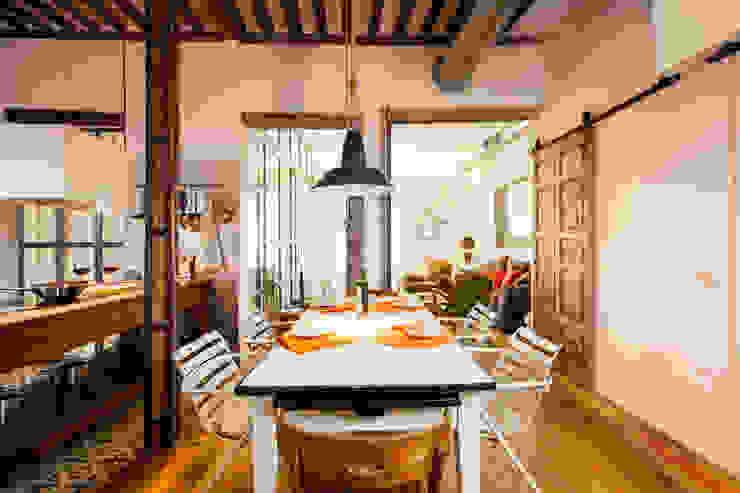 Salle à manger rustique par The Sibarist Property & Homes Rustique
