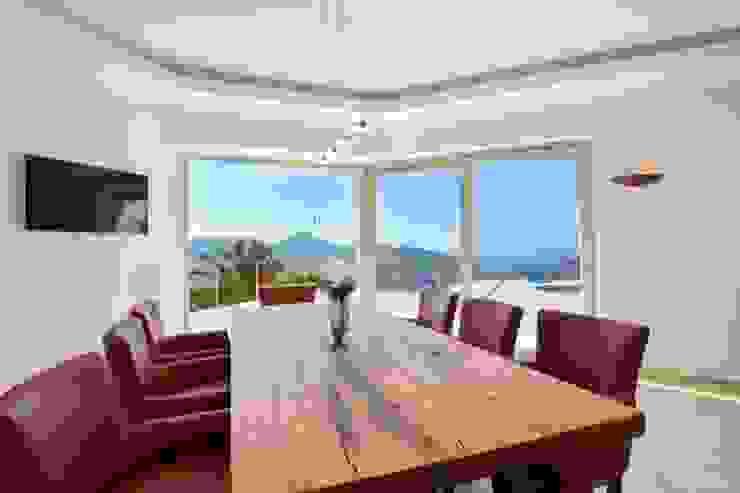 Element 5 Mallorca S.L.U. Modern Dining Room
