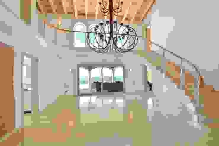 Element 5 Mallorca S.L.U. Mediterranean corridor, hallway & stairs