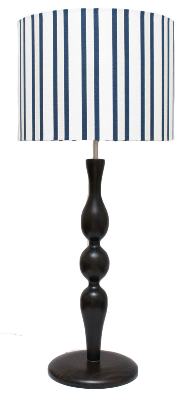 ORCHIDS LOFT by Alexandra Pedro Living roomLighting Solid Wood Black