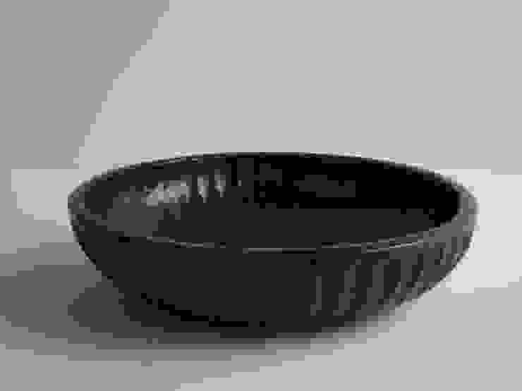 しのぎ丸鉢: 工房えらむが手掛けた折衷的なです。,オリジナル 木 木目調