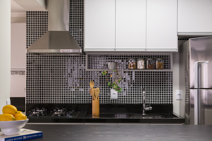 modern  by Stefani Arquitetura, Modern