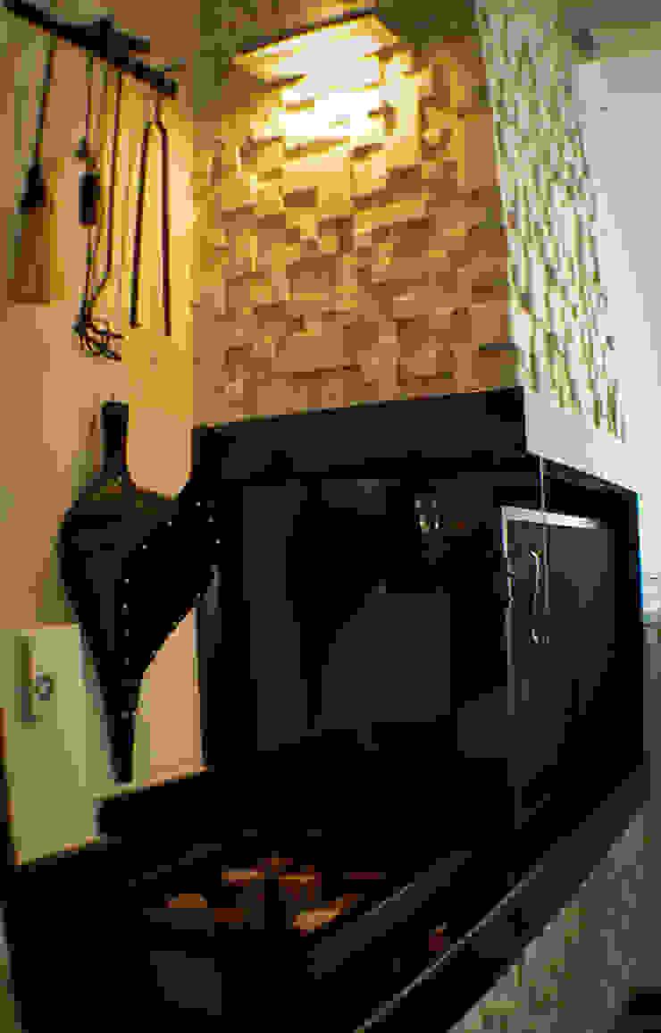 Lareira Salas de jantar clássicas por Sandra Pompermayer Arquitetura e Interiores Clássico