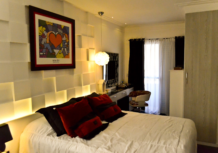 Suite Casal Quartos clássicos por Sandra Pompermayer Arquitetura e Interiores Clássico