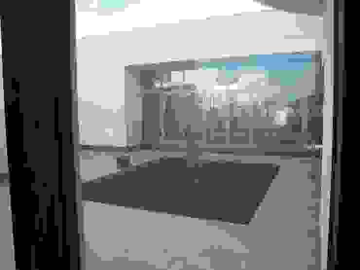 CASA BH Jardines de invierno clásicos de INSEL electrónica e interiores Clásico