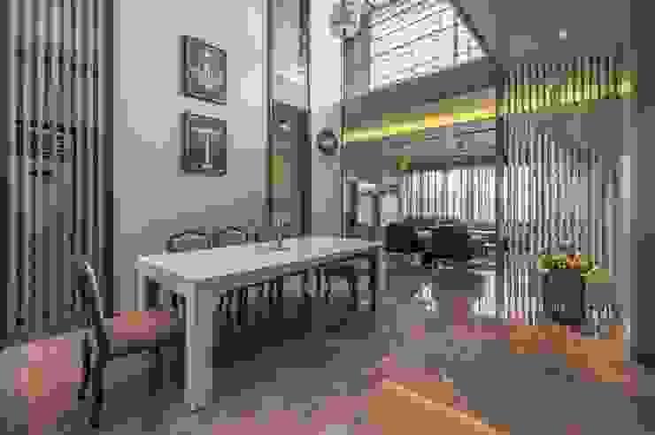 Lunavat residence Modern dining room by Archtype Modern
