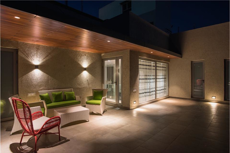 Lunavat residence Modern style bedroom by Archtype Modern