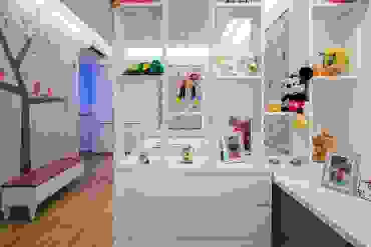 Lunavat residence Modern nursery/kids room by Archtype Modern