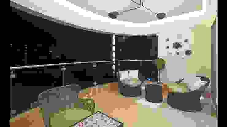 Residence Modern balcony, veranda & terrace by Archtype Modern