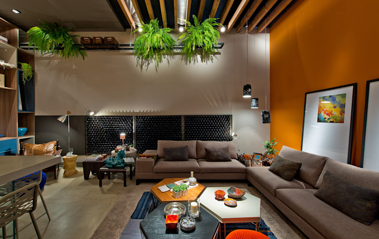 Living room by Sarau Arquitetura,