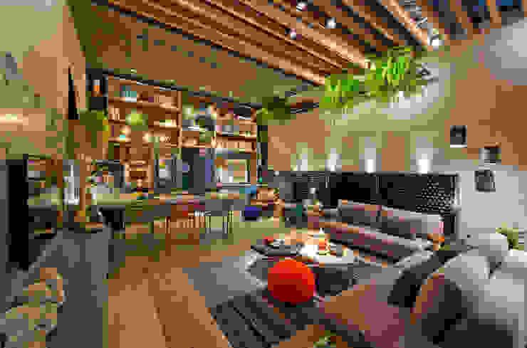 Ateliê do Mestre Cervejeiro Salas de estar modernas por Sarau Arquitetura Moderno