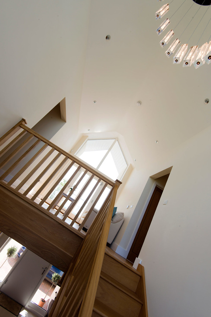 The Downs Modern Corridor, Hallway and Staircase by Lee Evans Partnership Modern