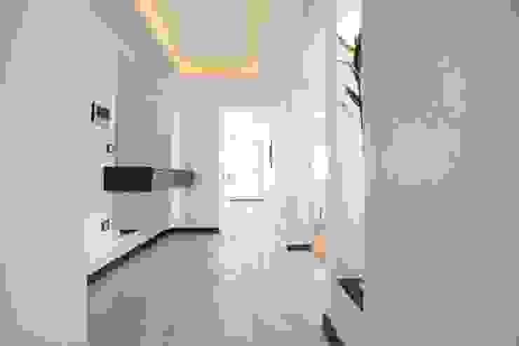 İkiztepe Konakları BAGO MİMARLIK Modern Koridor, Hol & Merdivenler