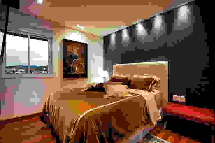 Modern style bedroom by Régua Arquitetura Modern