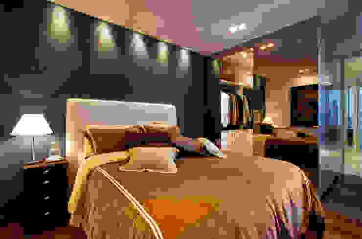Chambre moderne par Régua Arquitetura Moderne