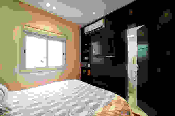 Dormitorios modernos: Ideas, imágenes y decoración de Régua Arquitetura Moderno
