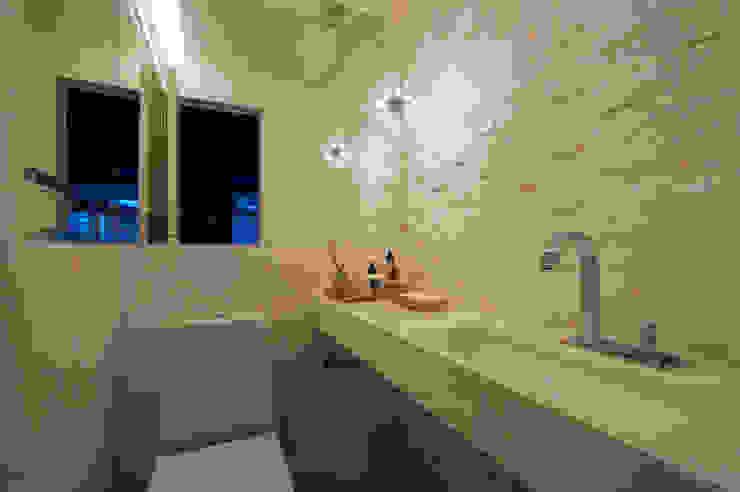 Lavabo Banheiros modernos por Régua Arquitetura Moderno