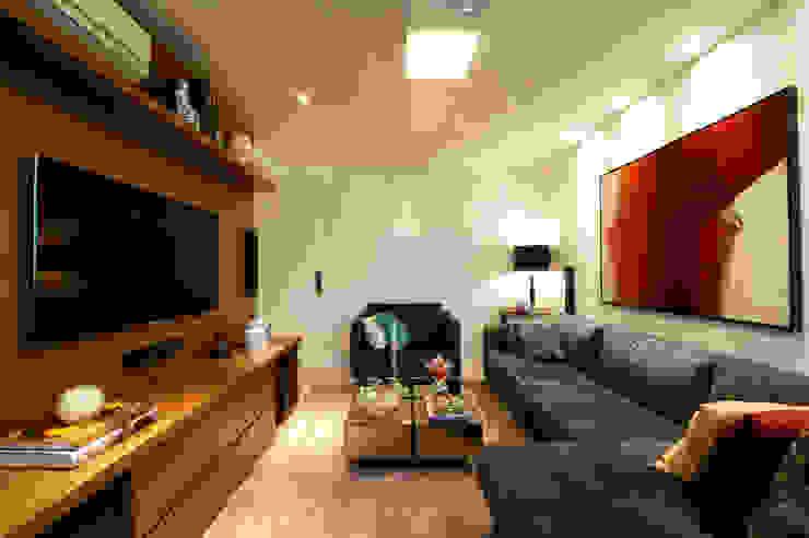 Living e Home Theater Salas de estar modernas por Régua Arquitetura Moderno