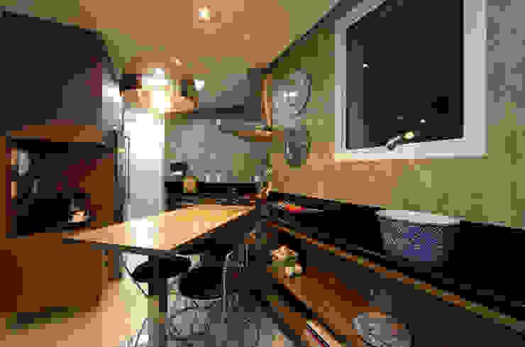 Cocinas de estilo moderno de Régua Arquitetura Moderno