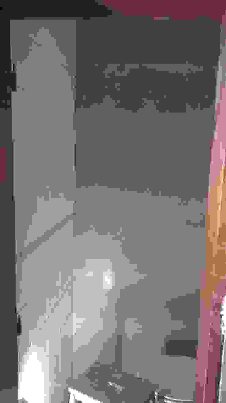 Painel decorativo em Viroc em instalação sanitária. por knowhowtobuild