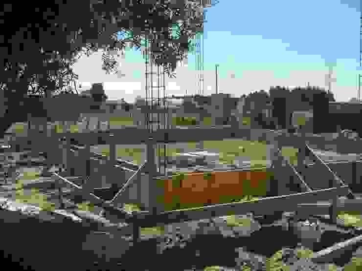 Implantação de pilares. Casas campestres por knowhowtobuild Campestre