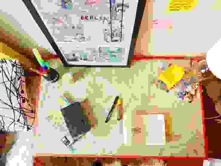 Repaginação Escrivaninha por Camila Feriato Moderno