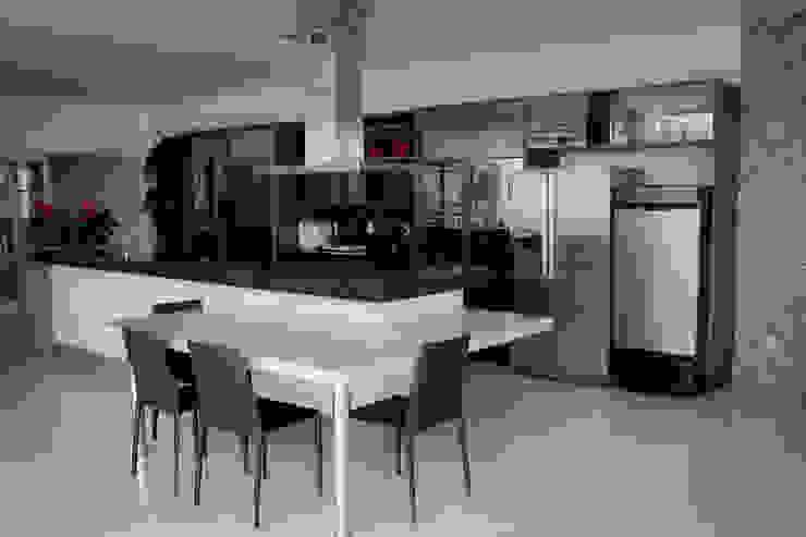 Residência Primavera Cozinhas modernas por Andrea F. Bidóia Arquiteta Moderno
