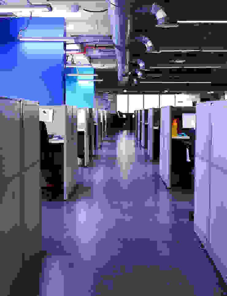 a typical corridor by Horizon Design Studio Pvt Ltd