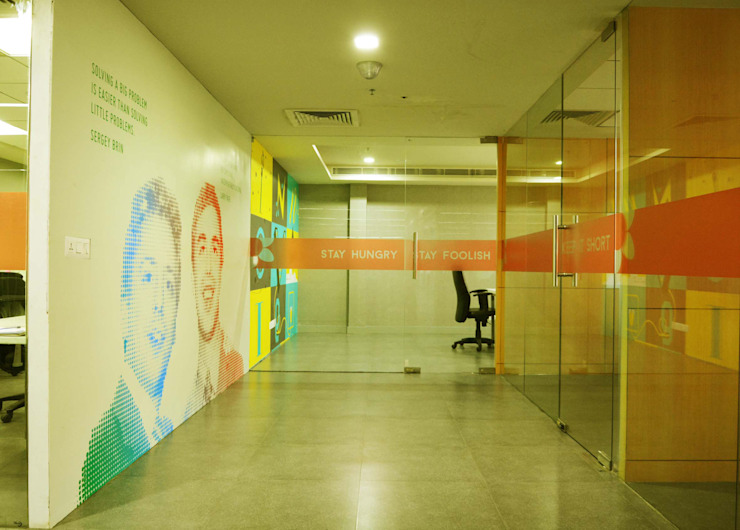 The entrance foyer and meeting room by Horizon Design Studio Pvt Ltd