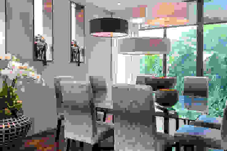 Sentosa Beach House Scandinavian style dining room by Design Intervention Scandinavian