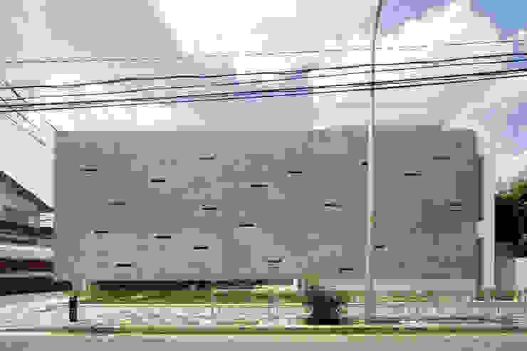 KaleidoscopeⅠ モダンな 家 の 澤村昌彦建築設計事務所 モダン コンクリート