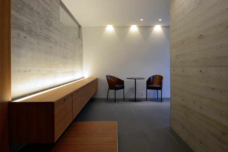 KaleidoscopeⅤ モダンスタイルの 玄関&廊下&階段 の 澤村昌彦建築設計事務所 モダン
