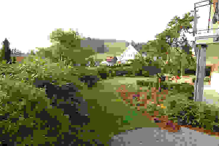 Lustenberger Schelling Landschaftsarchitektur 모던스타일 정원
