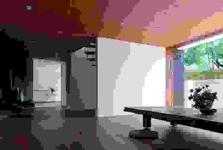 Гостиная в азиатском стиле от 澤村昌彦建築設計事務所 Азиатский