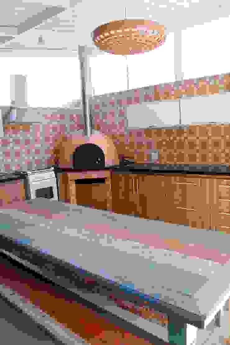 Residência em Jundiaí Cozinhas rústicas por Carol Abumrad Arquitetura e Interiores Rústico