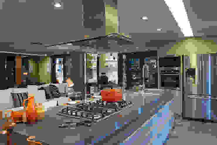 Cocinas modernas: Ideas, imágenes y decoración de Sandro Jasnievez Arquitetura Moderno