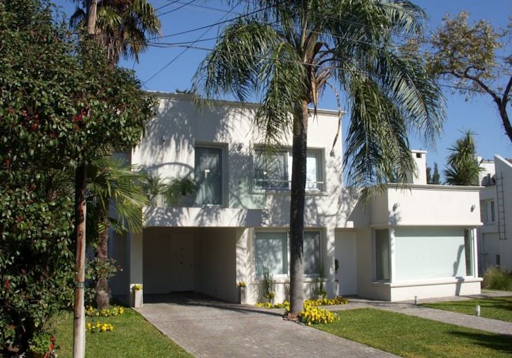Miraflores UF 692 Casas modernas: Ideas, imágenes y decoración de cfarquitectos Moderno