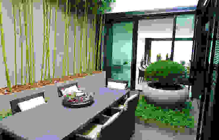 Balcon, Veranda & Terrasse modernes par Lustenberger Schelling Landschaftsarchitektur Moderne